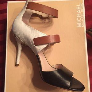 VGUC Michael Michael Kors tri-color sandals